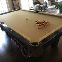 Brunswick Contender Pool Table Excellent Condition