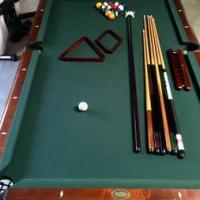Beautiful 8' slate Pool Table